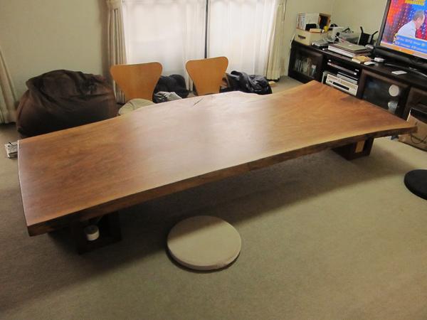 ウォルナット無垢板の座卓