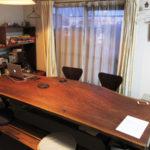 リビングテーブルとベンチ