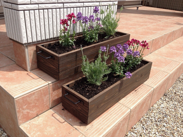 オーダー製作した鉢植えプランター