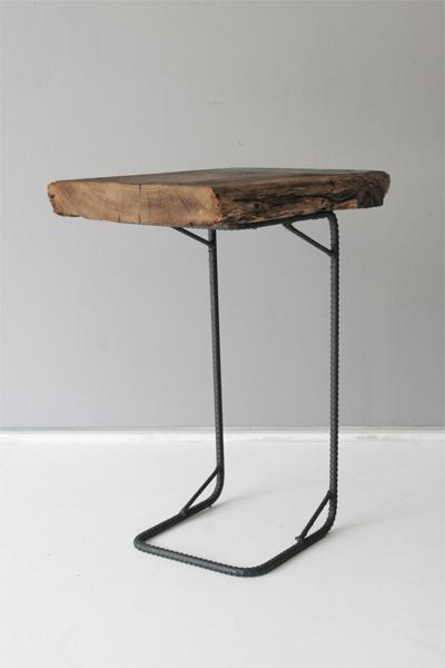 古材と鉄脚のサイドテーブル