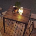 アイアン脚のウォルナット天板テーブル
