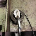 鉄の丸棒を曲げる