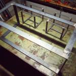リビングテーブル用の鉄脚を溶接して組み立てたところ