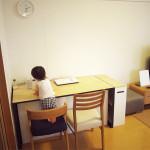 鉄脚のテーブル子供の勉強机