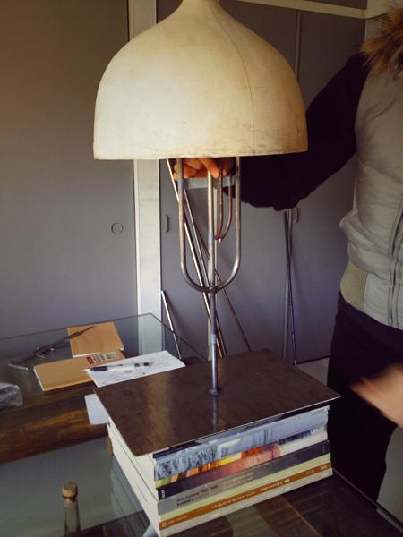 陶芸作品の台座(アイアンスタンド)を製作 高さを調整して丁度良いバランスを探る