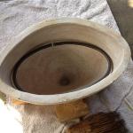 陶器に合わせて鉄を曲げる