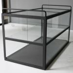 陳列棚に最適なアイアンガラスショーケース