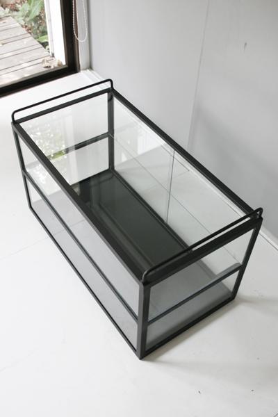 お菓子の陳列にも最適 アイアンガラスショーケース 2段