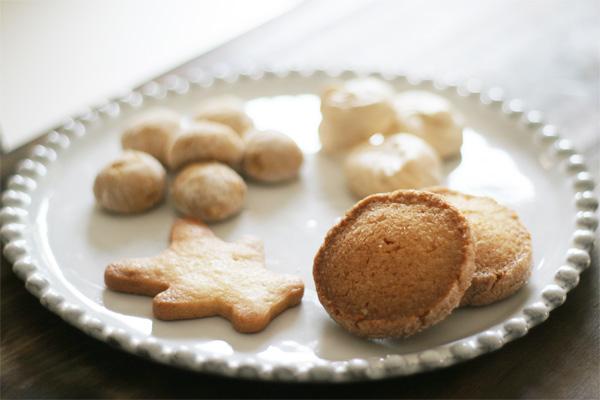 アスティエ・ド・ヴィラットのお皿と フランスやイギリスの伝統菓子