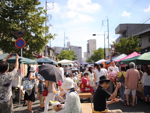 覚王山夏祭の様子