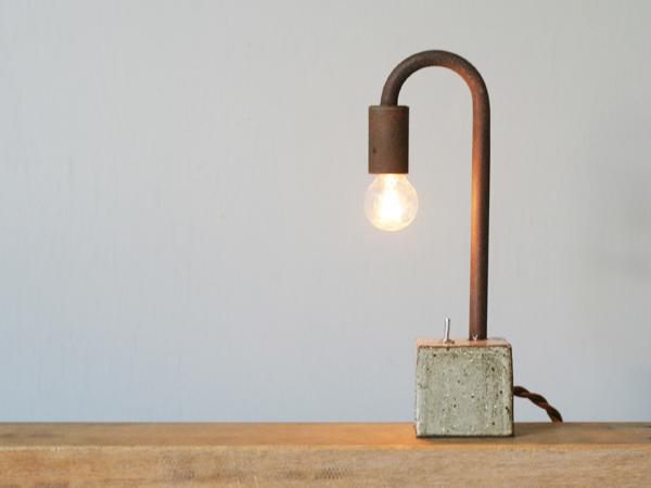 鉄と陶器の照明
