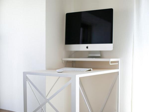 iMac 21.5inchとスタンディングデスク