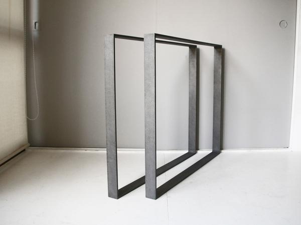 アイアン塗料で塗装したテーブル用の鉄脚