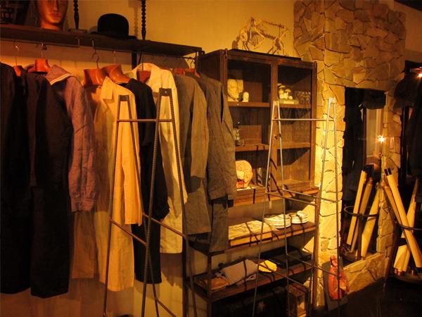 名古屋のアンティーク・フランス雑貨 antique Salonにアイアン什器を納品