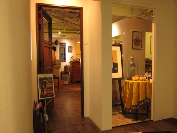 名古屋 錦のアンティーク・フランス雑貨 antique Salon入り口