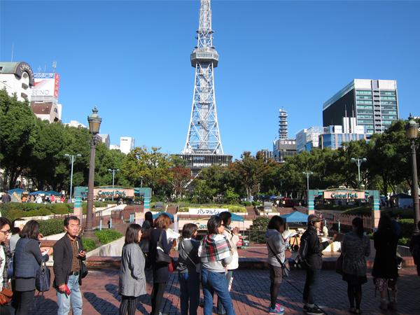 久屋大通公園のテレビ塔とパンマルシェ