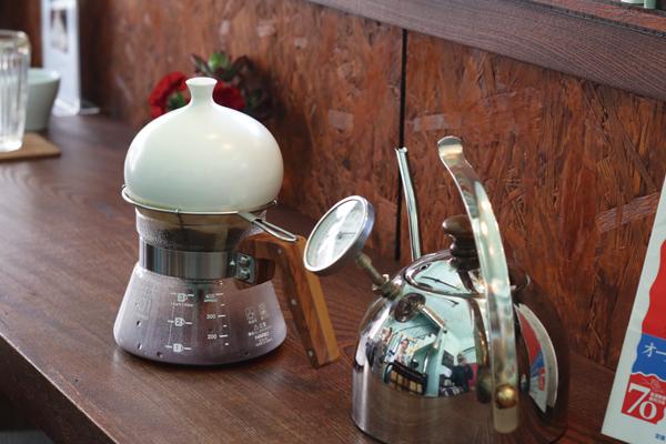 松屋式コーヒー 蒸らしフタの使用イメージ