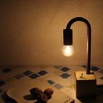陶器のお皿等とも相性が良い照明