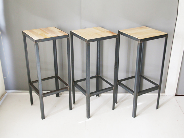 iron high stool 2