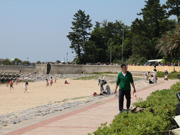 西尾市吉良町の宮崎海水浴場で開催されるイベント「海辺百貨店vol.10」の様子3。