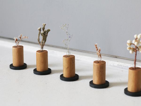 木とアイアンベースの一輪挿し タイプ2-3