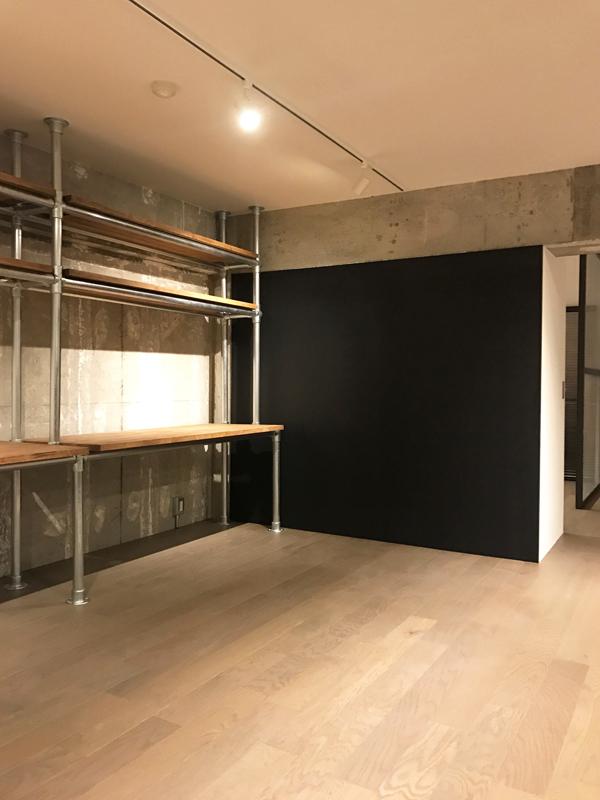 アイアンフレームの黒板