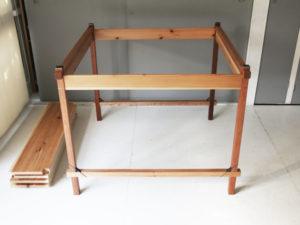 組立式テーブル 脚を組立