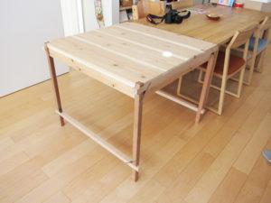 折畳み式テーブル