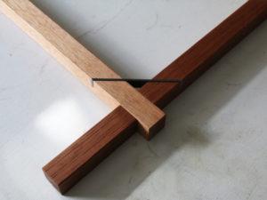 木と鉄の組立式テーブル コーナー部分の接ぎ方