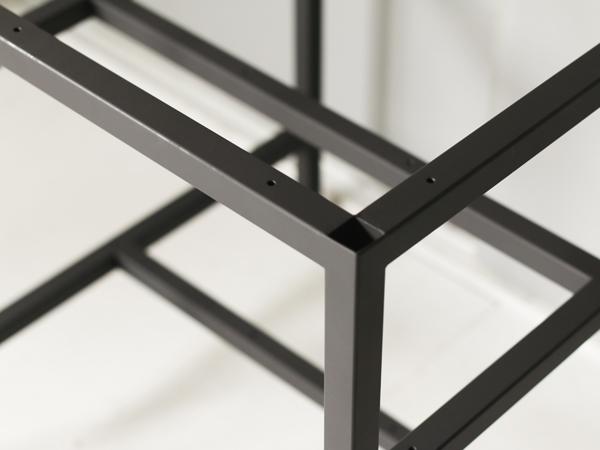 テーブル用の鉄脚 接合部分