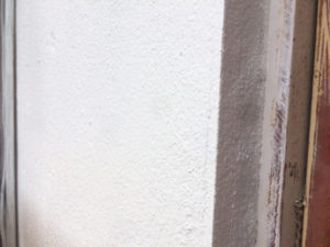 取付け場所である壁の写真