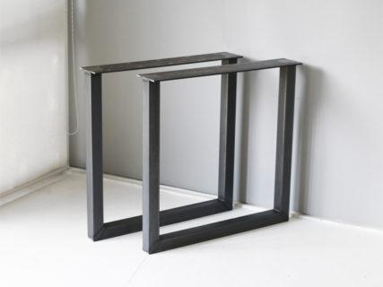 角パイプのテーブル用鉄脚
